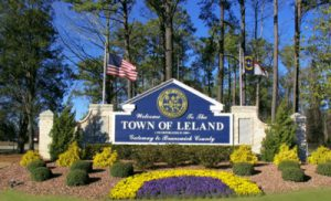 leland welcome sign